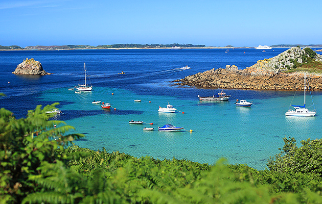 turquoise waters and boats